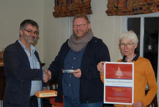 Foto zu Presse-Hinweis zur Spendenübergabe - Erlös aus Lesung STERNENGLANZ & WEIHNACHTSZAUBER mit Andreas Kück.jpg